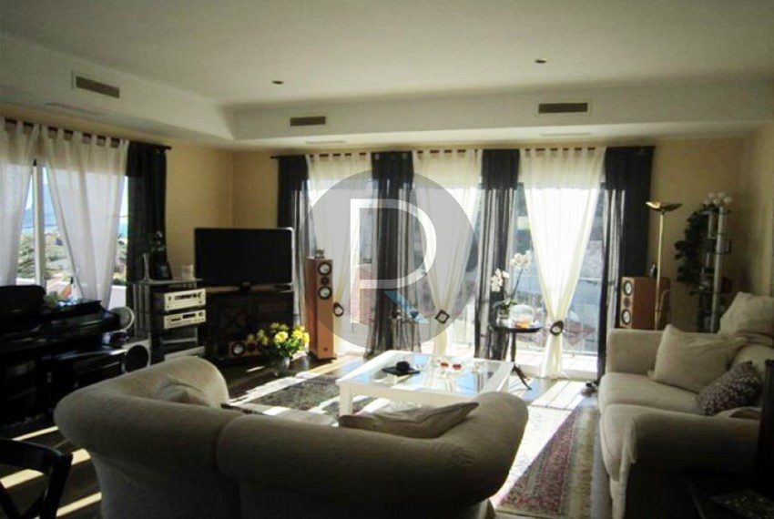 beautiful-villa-calpe-for-sale-livingroom-full
