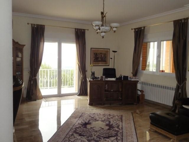 big-finca-in-altea-livingroom2-office