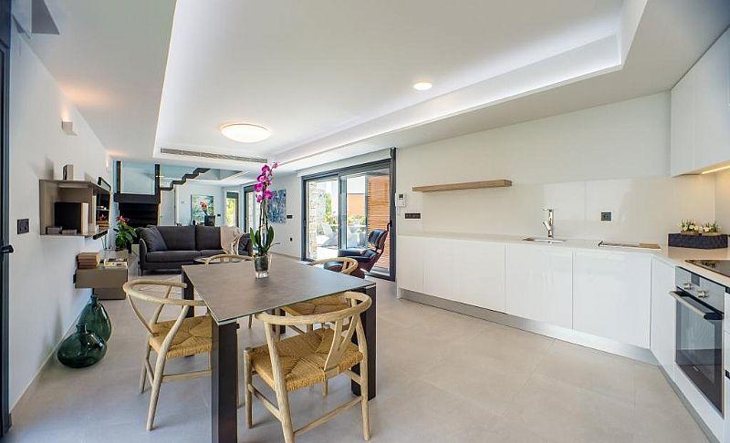 modern-newbuild-villa-in-benidorm-diningarea-and-open-kitchen