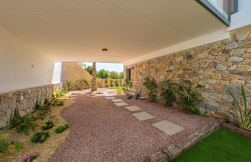 modern-newbuild-villa-in-benidorm-gardenpart