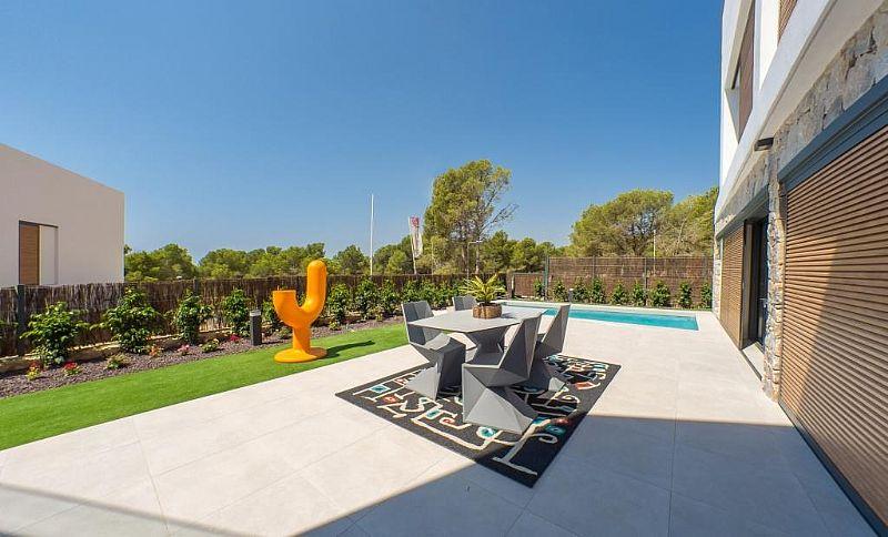 modern-newbuild-villa-in-benidorm-gardenterrace