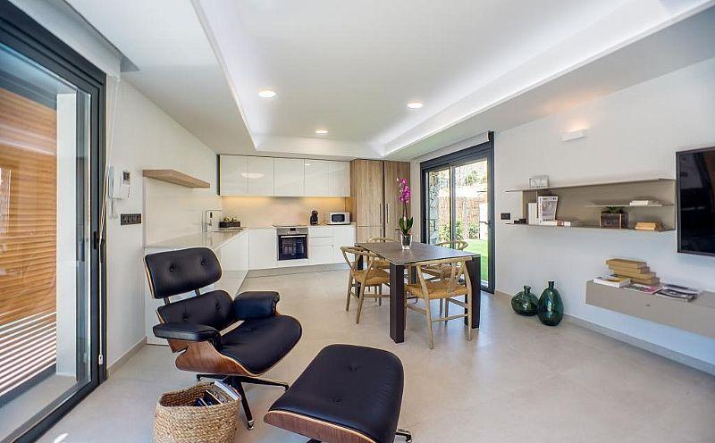 modern-newbuild-villa-in-benidorm-livingarea-and-diningarea