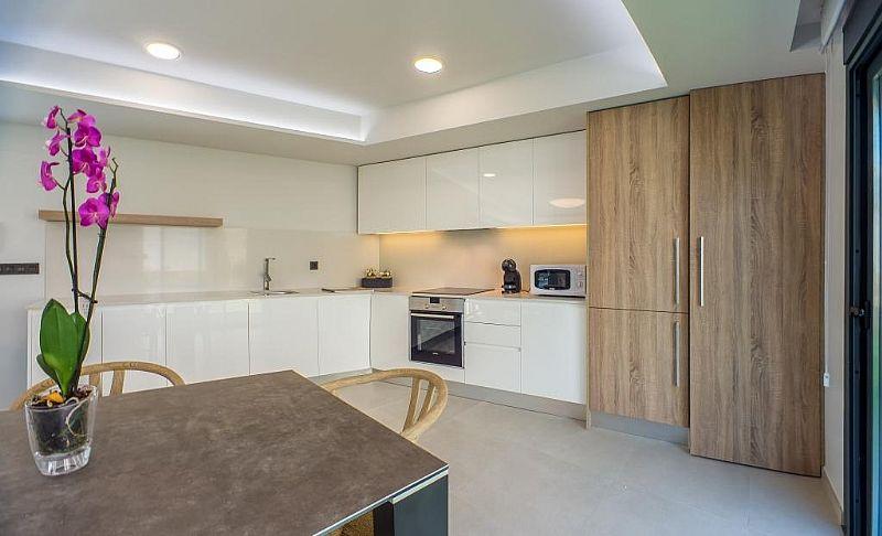 modern-newbuild-villa-in-benidorm-open-kitchen