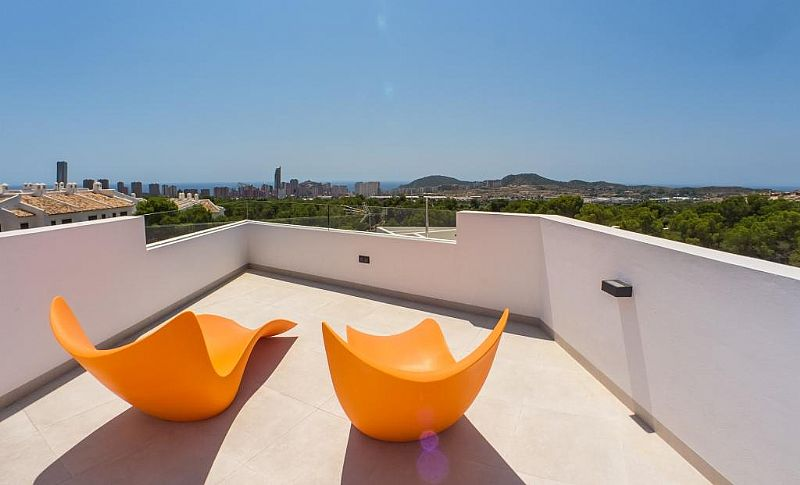 modern-newbuild-villa-in-benidorm-view
