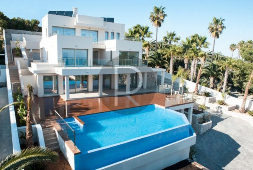 new-modern-villa-in-moraira