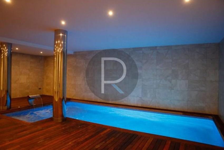 new-modern-villa-in-moraira-indoorpool