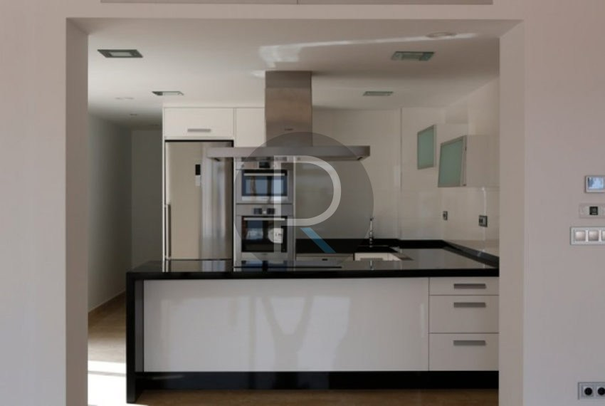 new-modern-villa-in-moraira-kitchen