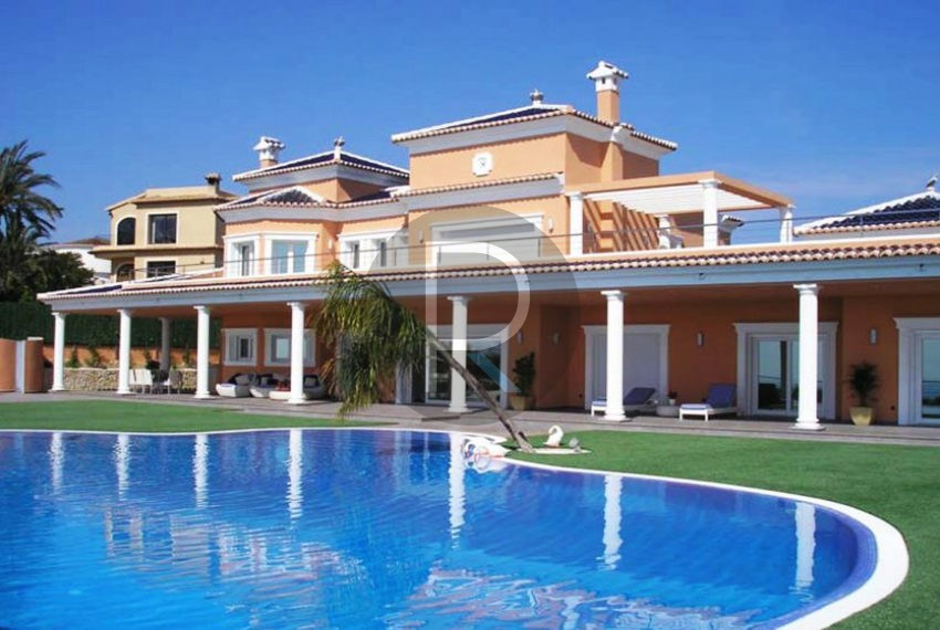 villa-first-sealine-moraira-for-sale