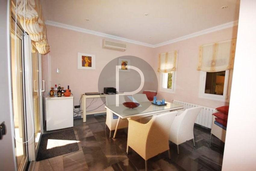 villa-first-sealine-moraira-for-sale-diningarea-full