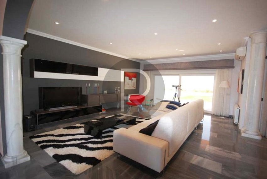 villa-first-sealine-moraira-for-sale-livingroom