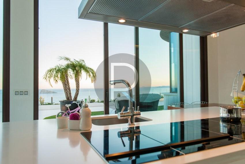 luxury-villa-benidorm-for-sale-kitchen-view