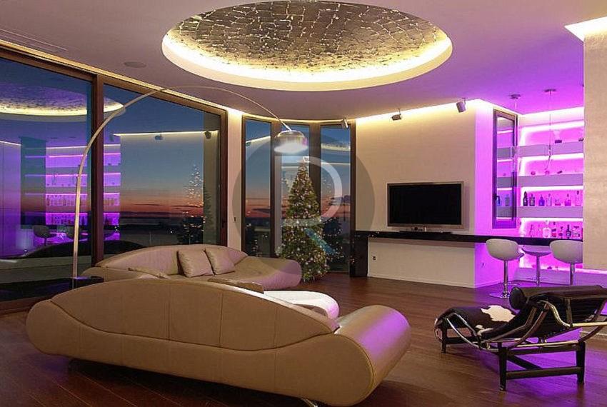 luxury-villa-benidorm-for-sale-livingroom-night