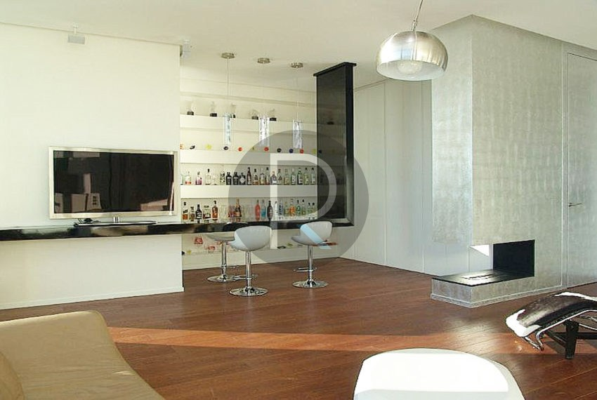 luxury-villa-benidorm-for-sale-livingroom-with-bar