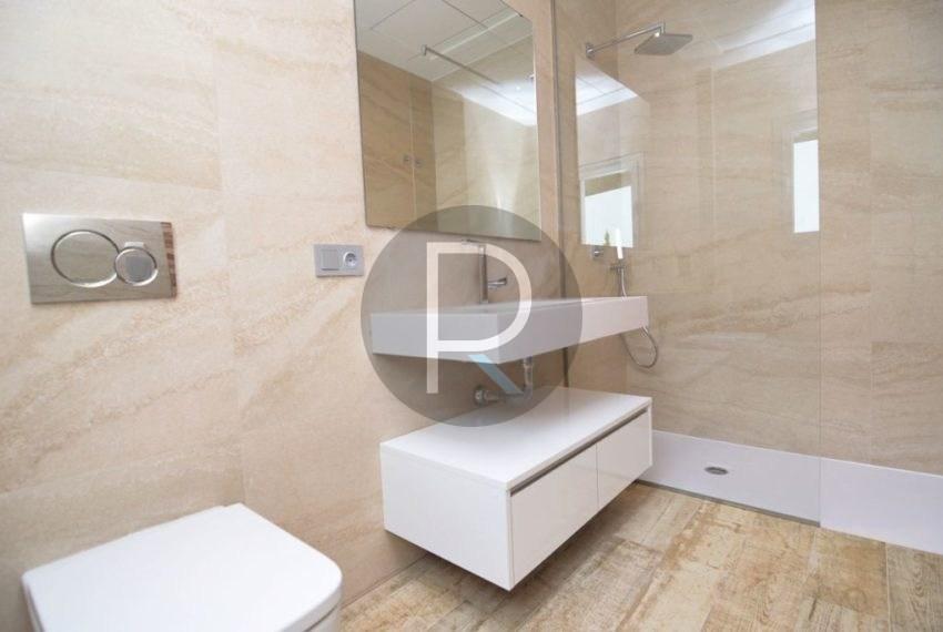 Ground Floor Bathroom01