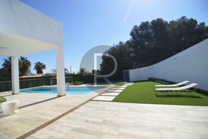 Private plot 940 m2 Villa Espica01