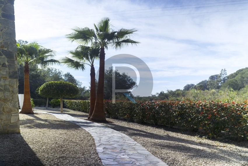 luxury-villa-altea-for-sale-garden2