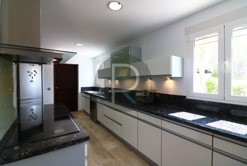 luxury-villa-altea-for-sale-kitchen