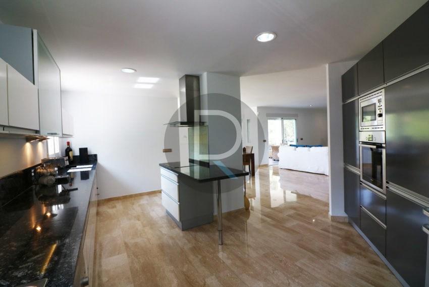 luxury-villa-altea-for-sale-kitchen-full