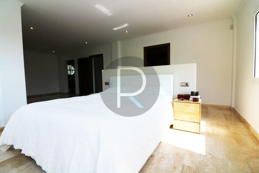 luxury-villa-altea-for-sale-masterbedroom