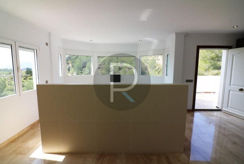 luxury-villa-altea-for-sale-masterbedroom-behind