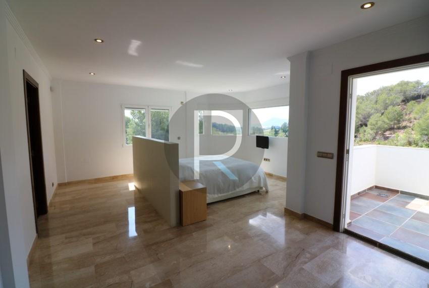 luxury-villa-altea-for-sale-masterbedroom1