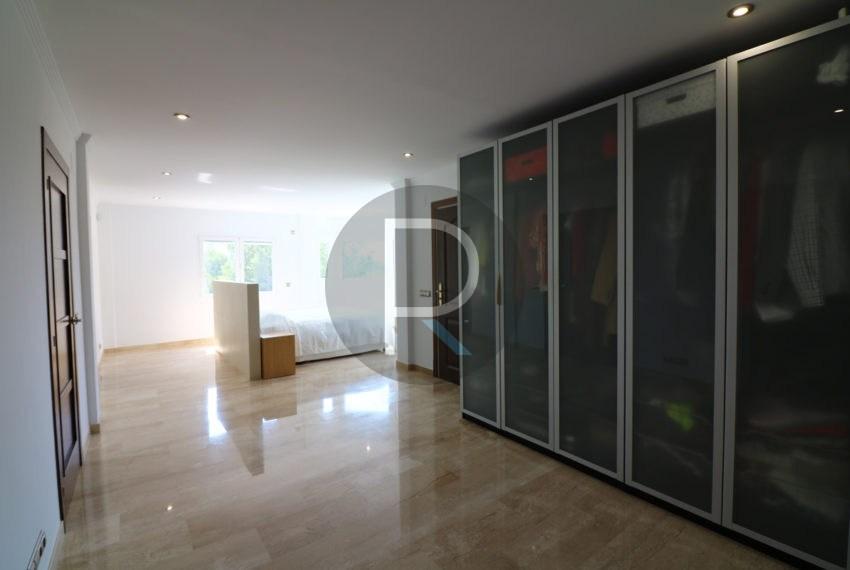 luxury-villa-altea-for-sale-masterbedroom3