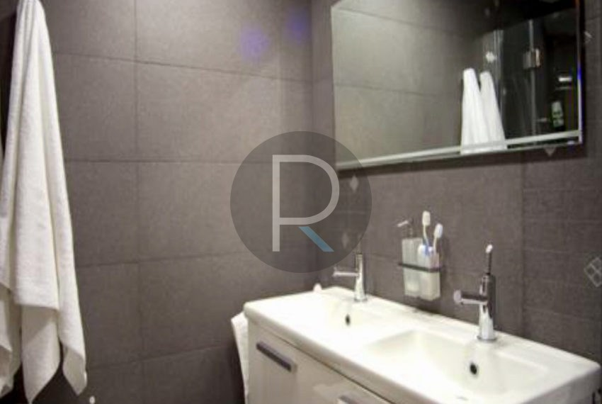 villa-first-sealine-oliva-for-sale-bathroom