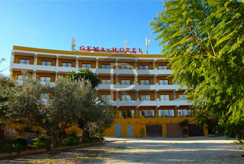 hotel-in-moraira-costa-blanca-front