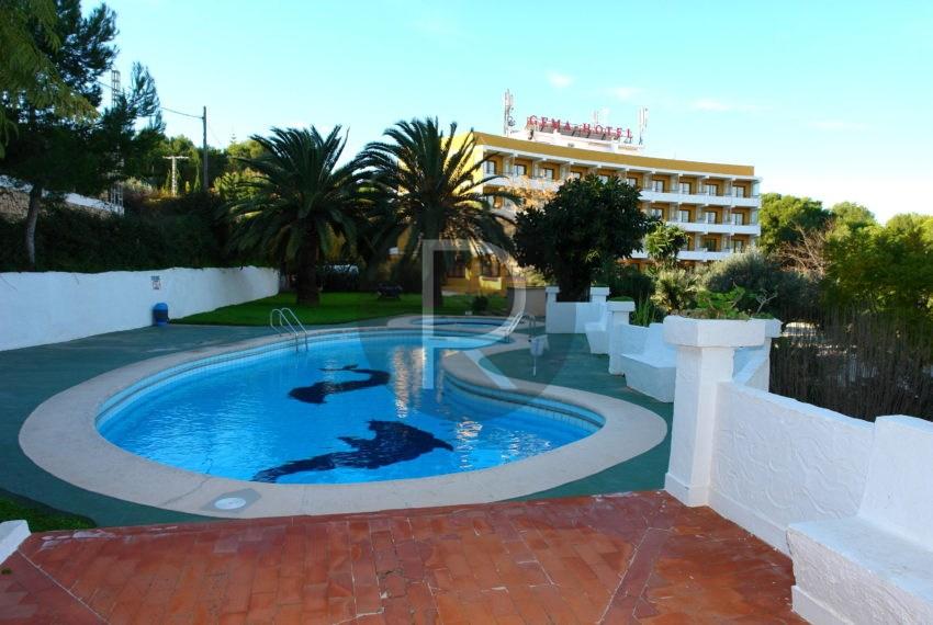 hotel-in-moraira-costa-blanca-pool-area