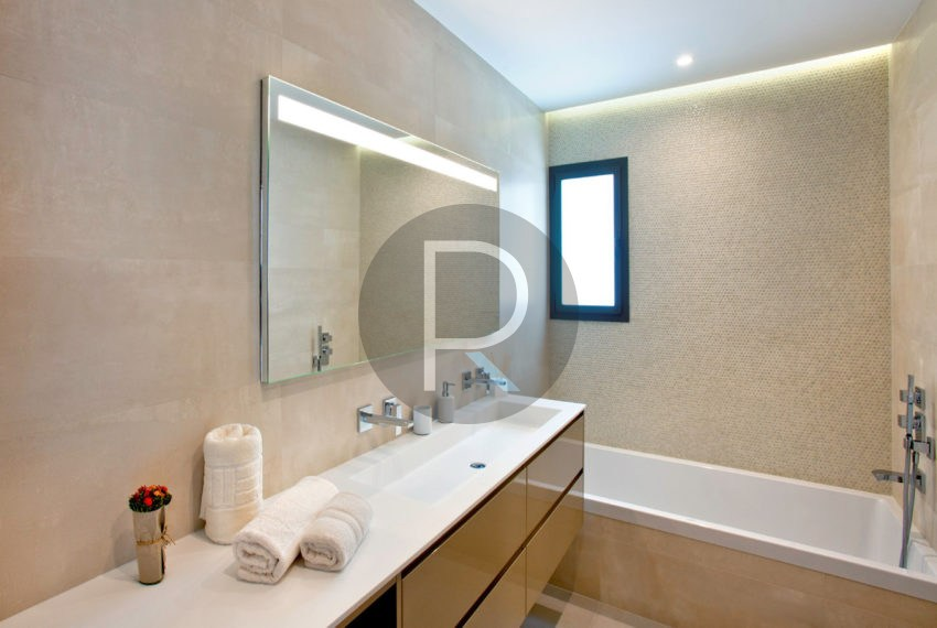 luxury-villa-in-benitachell-bathroom