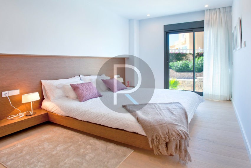 luxury-villa-in-benitachell-double-bedroom