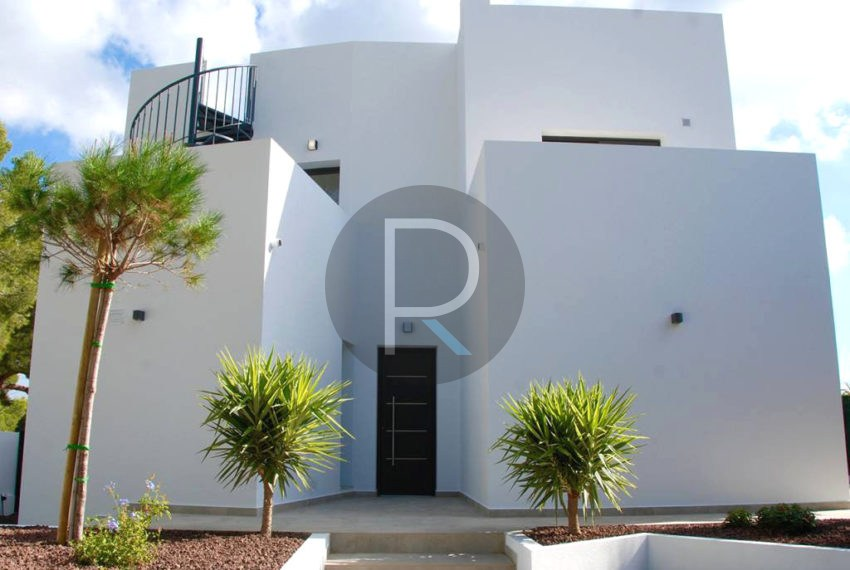 modern.villa-in-moraira-entrance