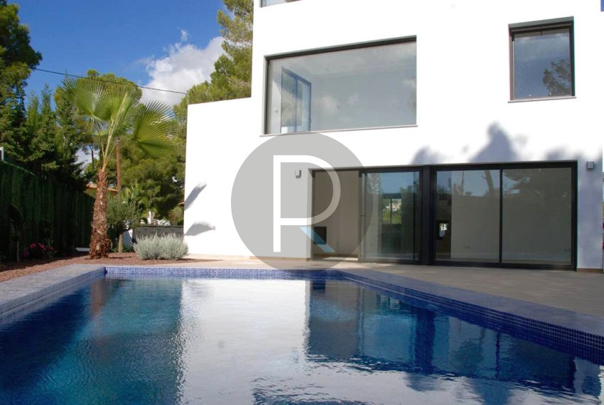 modern.villa-in-moraira-pool