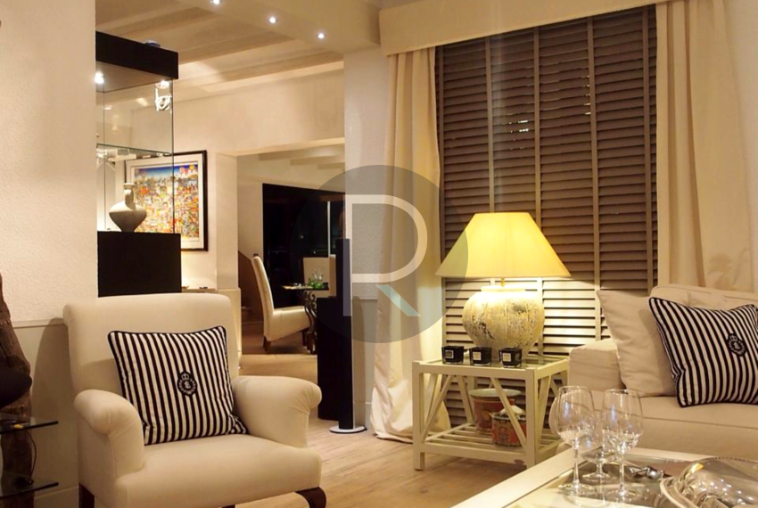 exclusiv-luxury-villa-with-seaviews-in-altea-livingroom