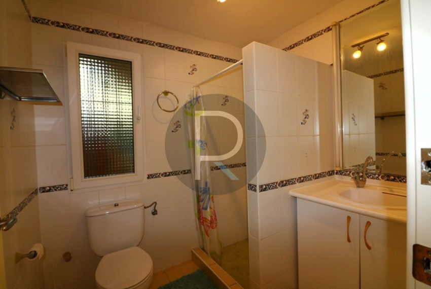 lovely-house-in-javea-bathroom