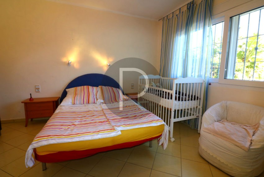 lovely-house-in-javea-big-bedroom