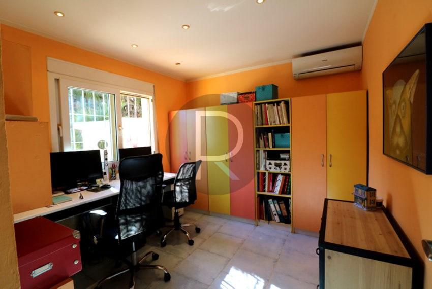 lovely-house-in-javea-office