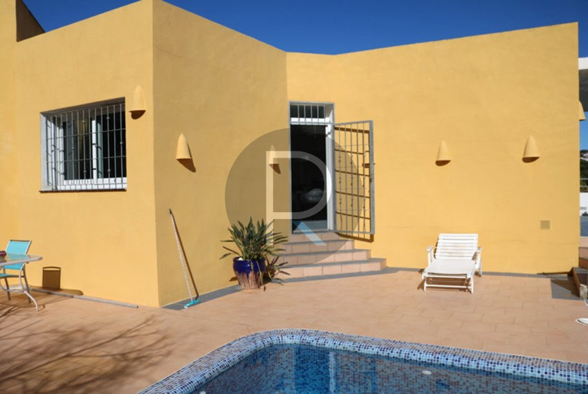 lovely-house-in-javea-poolarea