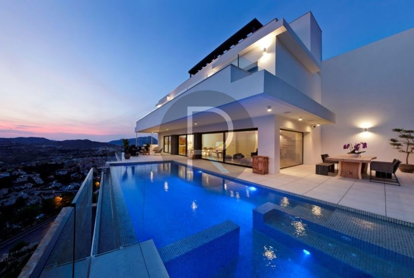 modern-luxury-villa-with-stunning-seaview-in-benitachell