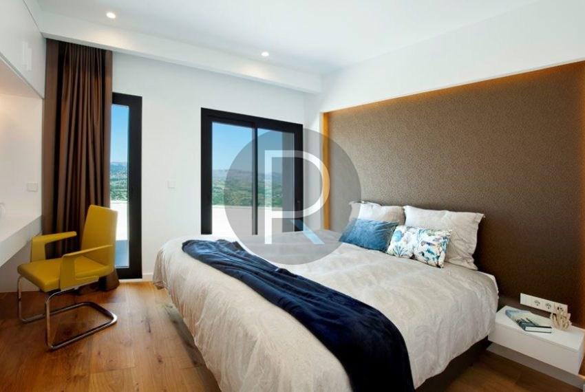 modern-luxury-villa-with-stunning-seaview-in-benitachell--bedroom