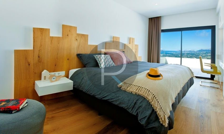 modern-luxury-villa-with-stunning-seaview-in-benitachell-bedroom-with-seaview