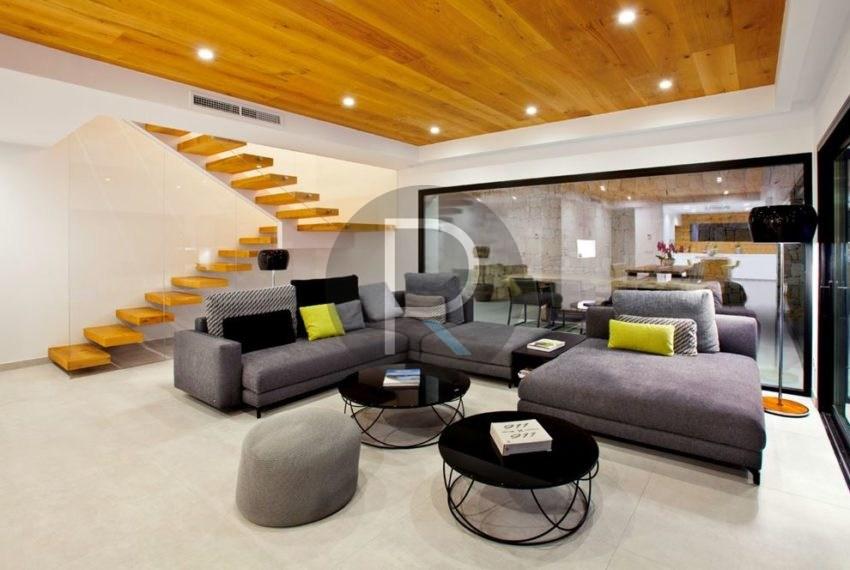 modern-luxury-villa-with-stunning-seaview-in-benitachell-livingarea