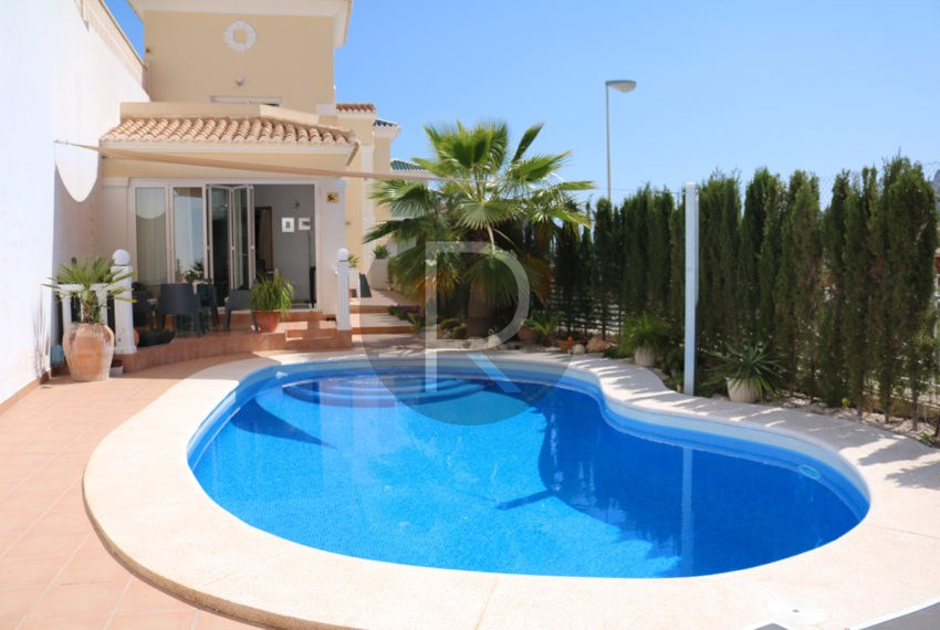 beautiful-cozy-house-in-calpe-near-the-beach-and-the-citycentre-poolterrace-poolarea