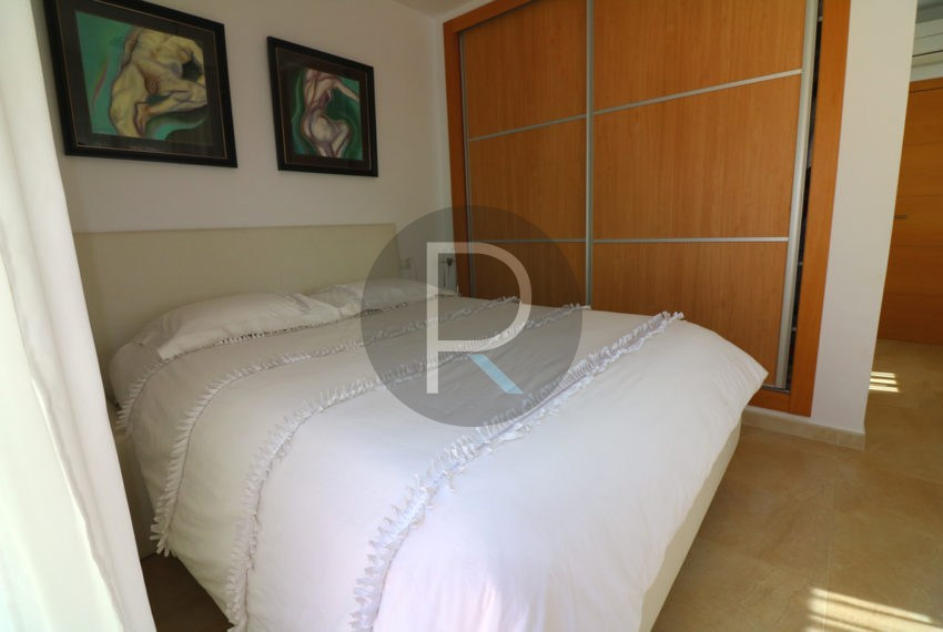 beautiful-cozy-house-in-calpe-near-the-beach-and-the-citycentre-poolterrace-poolarea-masterbedroom