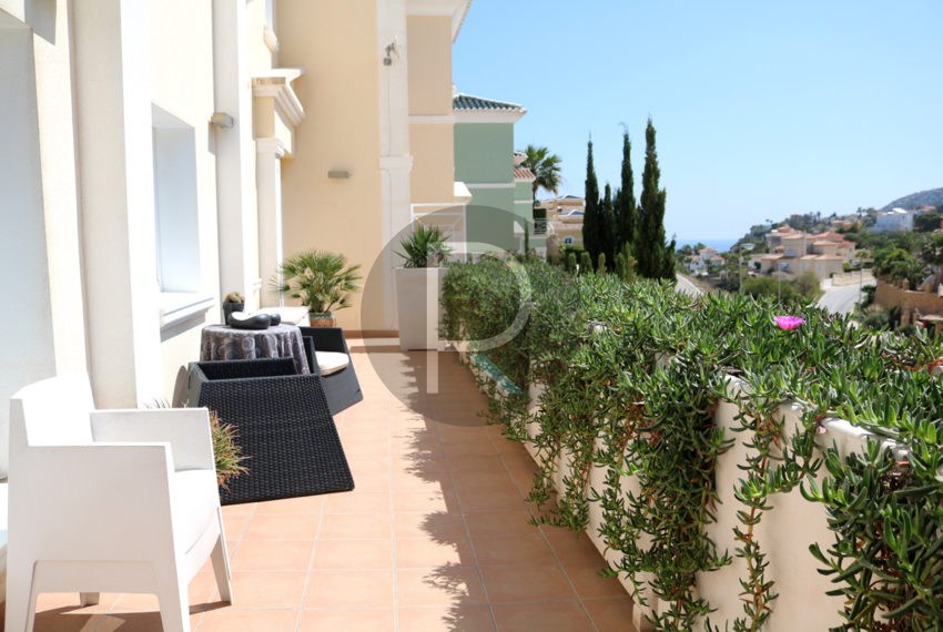 beautiful-cozy-house-in-calpe-near-the-beach-and-the-citycentre-poolterrace-poolarea-terrace